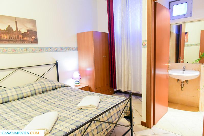Двойна стая (самостоятелна баня) | Guest House | Via Massalongo Bartolomeo 5